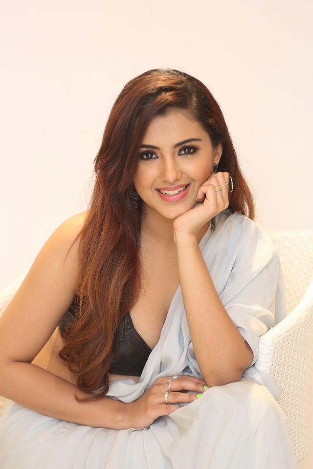 Malvika Sharma at Q9 Fashion Studio Launch
