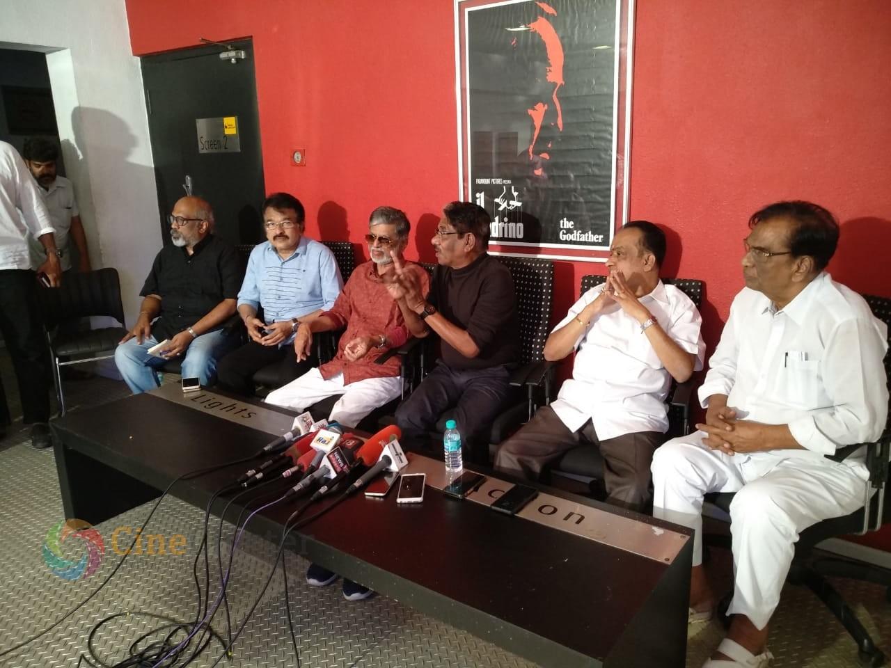 மூத்த திரைப்பட தயாரிப்பாளர்கள் செய்தியாளர்களை சென்னையில் சந்தித்தனர்