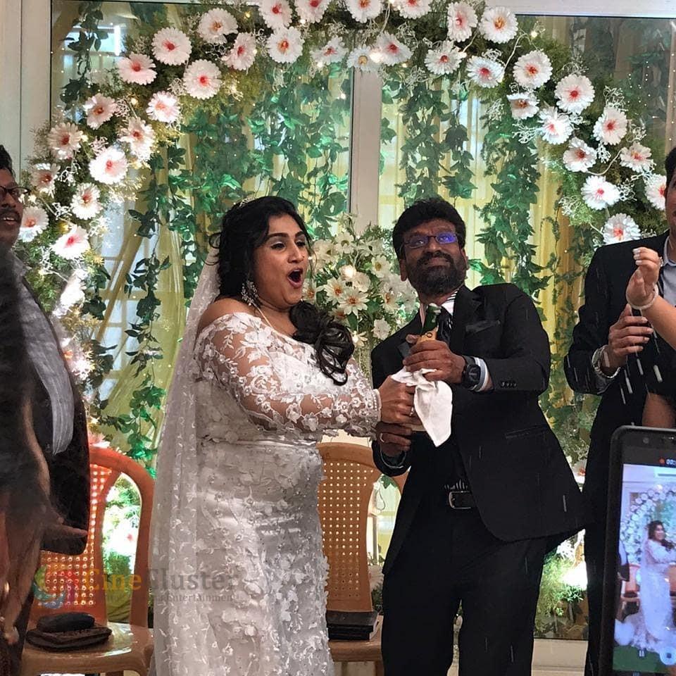 Exclusive Wedding Pictures and Video of Vanitha Vijayakumar & Peter Paul
